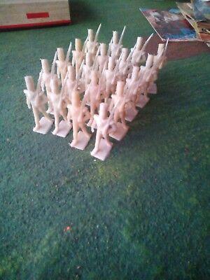 20 Soldatini In Plastica 1/32 Marca Cherilea Made In Great Britain Anni 60 Rapida Dissipazione Del Calore