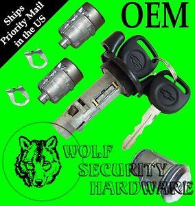 Details about Silverado GMT800 99-00 Ignition Switch Lock Cylinder Door  Spare Tire Set 2 Keys