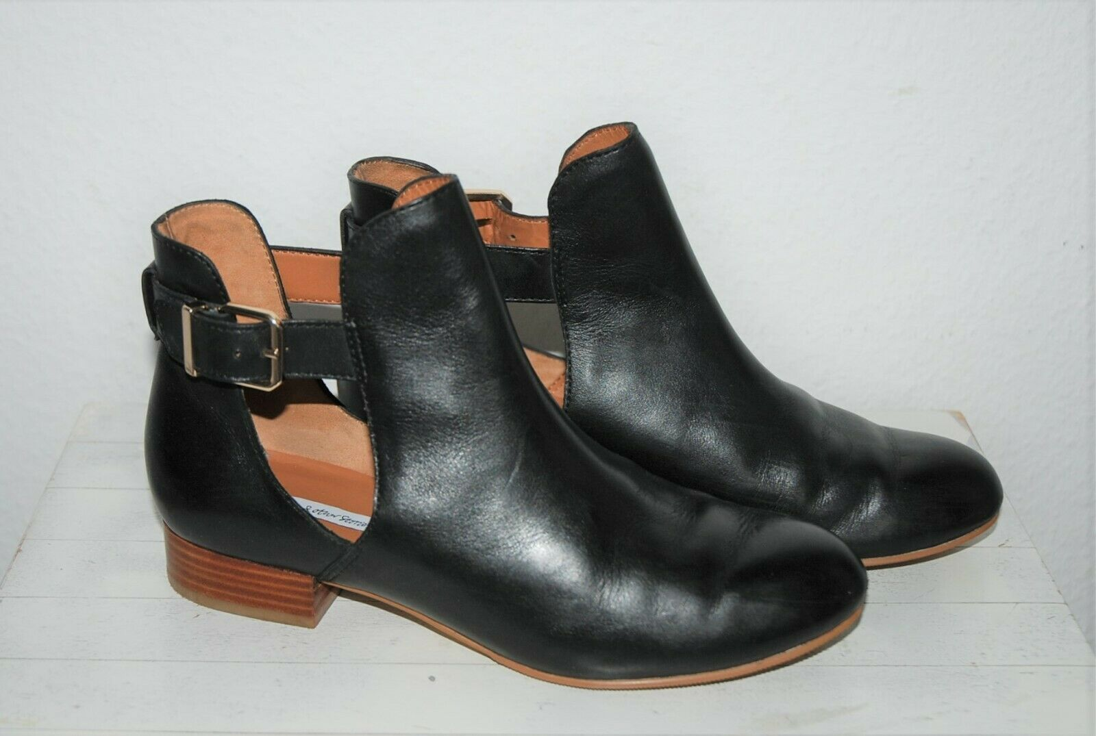 & OTHER STORIES  Halbschuhe Ankle Stiefel mit Cut Outs  Schwarz  Leder  37