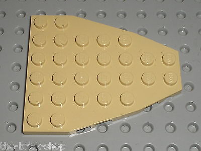 x1 @@ LIGHT GREY @@GRIS LEGO 2625 @@ Boat Bow Plate 7 x 6 without Stud Notches