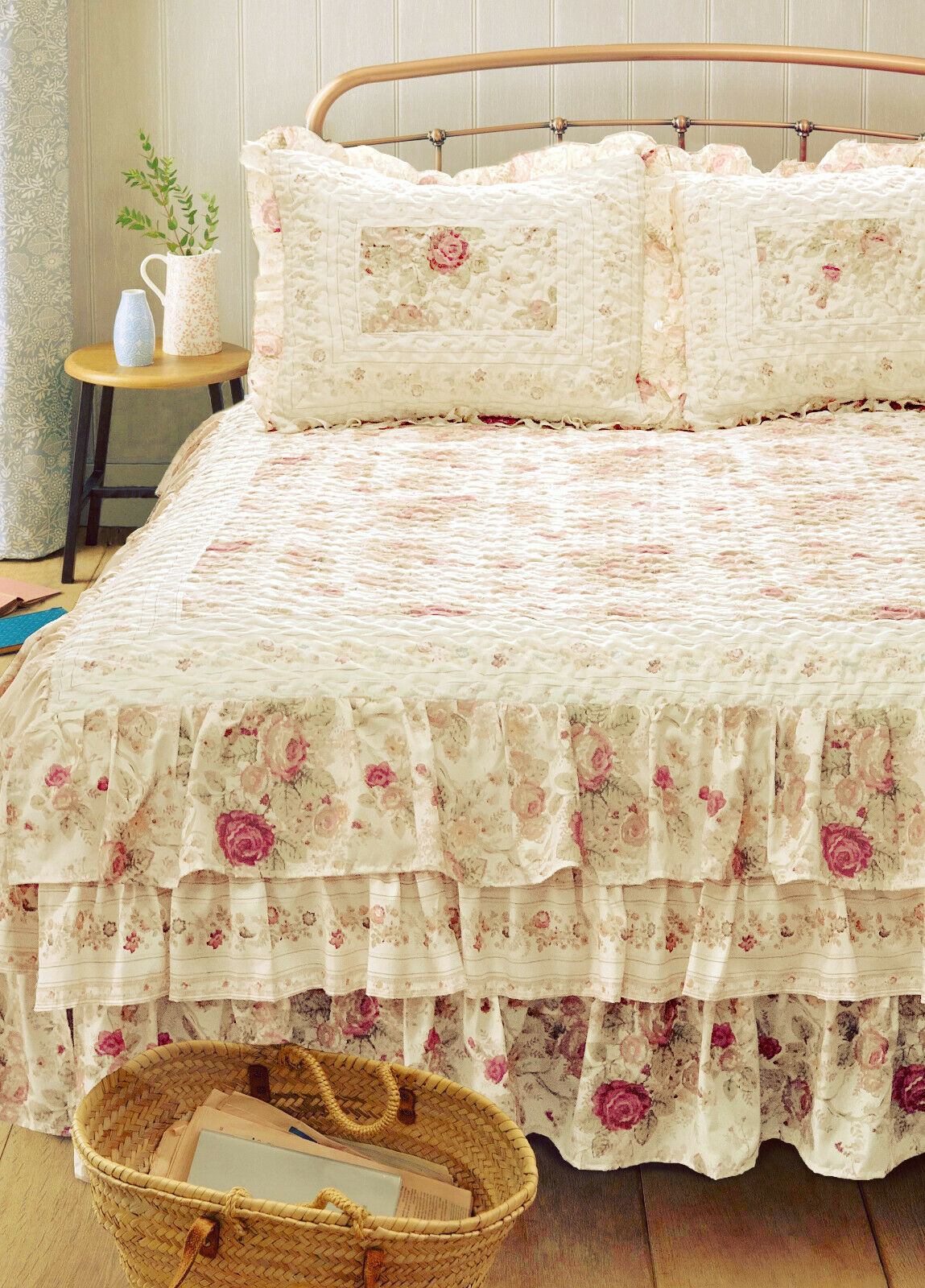 VINTAGE RUFFLED Queen or King BEDSPREAD   COTTAGE pink QUILT CREAM IVORY SHABBY