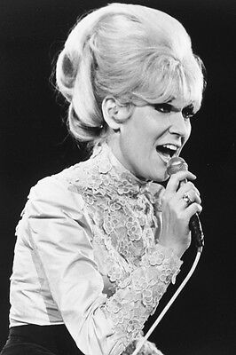 DUSTY SPRINGFIELD CONCERT 1960'S B&W 36X24 POSTER PRINT