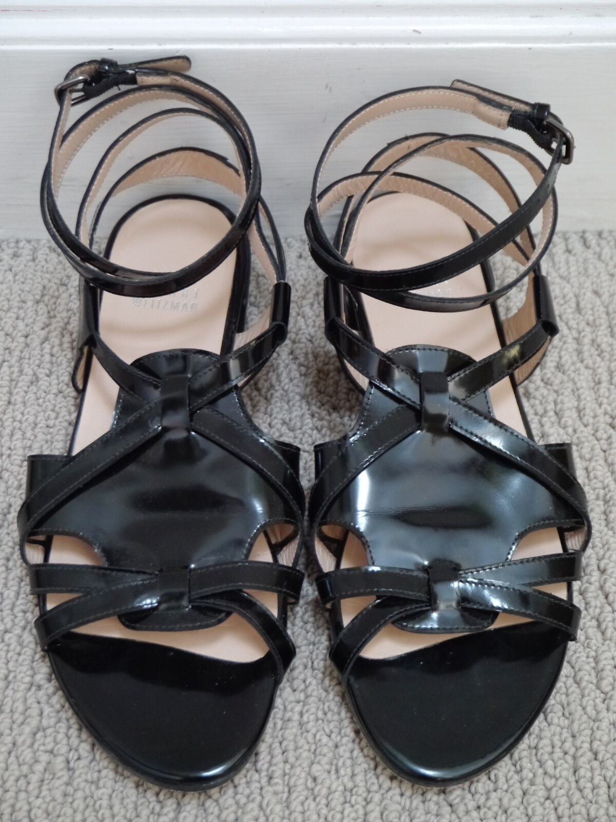 STUART WEITZMAN black patent leather strappy ankle wrap flat sandals 7 WORN ONCE