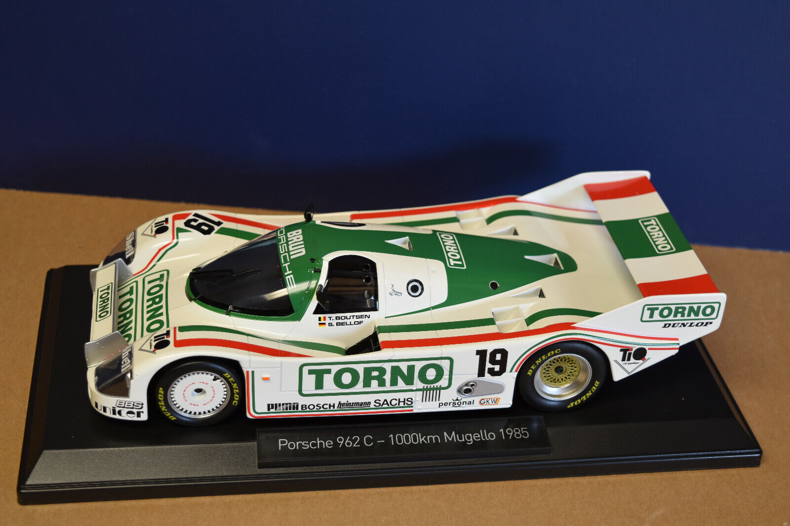 Norev 1 18 Porsche 962 C  Torno  - 1000km Mugello S. Bellof (1 of 1000 Pcs) NEW