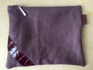 Pochette cuir stretch violet incrustations croco