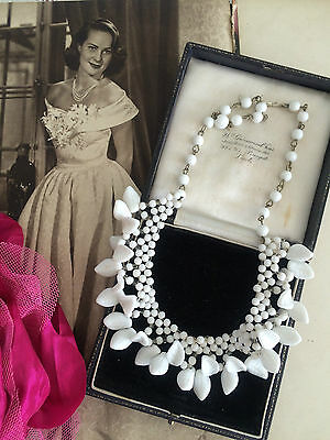 Vintage 40s Beautiful White Woven Glass Beads Leaf Necklace Wedding Bridal Gift
