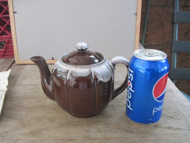 Small Porcelain/Ceramic? Attractive 2cup Teapot, Attractive Country Design