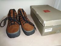 Cole Haan Suede Hiking Walking Low Boots 9 1/2 B Brown W Black $120