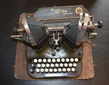 OLIVER #5 TYPEWRITER 1914 OLIVER STANDARD VISIBLE WRITER #5 TYPEWRITER WITH CASE