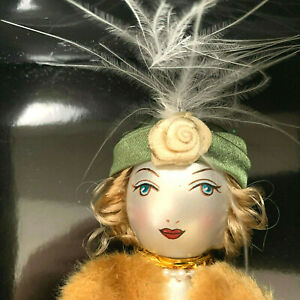 034-Lady-in-Fur-Trimmed-Coat-034-Vintage-Blown-Glass-Ornament-Soffieria-DeCarlini