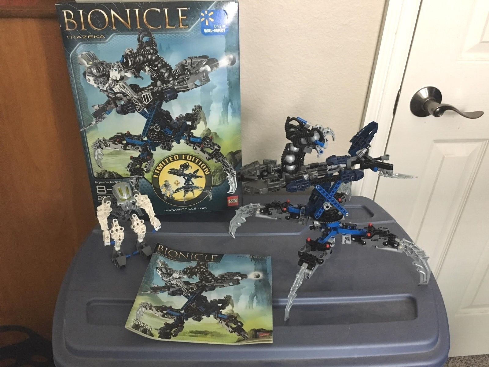 Lego Bionicle- Mazeka with Swamp Strider (8954) LIMITED EDITION- 100% Complete