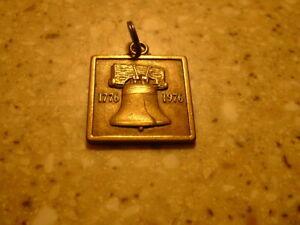 Vintage 1776 - 1976 AMOCO Oil Metal Key Chain Watch FOB 'Drop in Mailbox' Tag