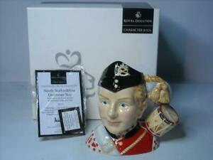 Royal-Doulton-NORTH-STAFFORDSHIRE-DRUMMER-BOY-Character-Jug-D211-COA-Box