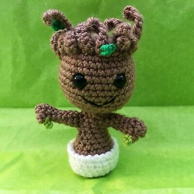 CROCHET PATTERN - AMIGURUMI BABY GROOT FAN ART | 400x400