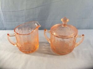 Jeannette-FLORAL-POINSETTIA-Pink-Depression-Glass-Creamer-amp-Covered-Sugar-Bowl