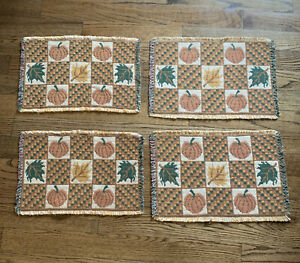 Vintage-Set-Of-4-Fall-Autumn-Thanksgiving-Tapestry-Placemats-Leaves-Pumpkins