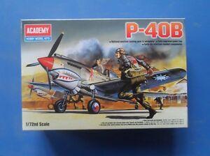 ACADEMIA-p-40b-Curtis-Tomahawk-Luchador-II-Guerra-Mundial-1-72-Modelo-a-Escala