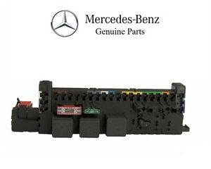 mercedes c300 c350 front fuse box f32 without direct start. Black Bedroom Furniture Sets. Home Design Ideas