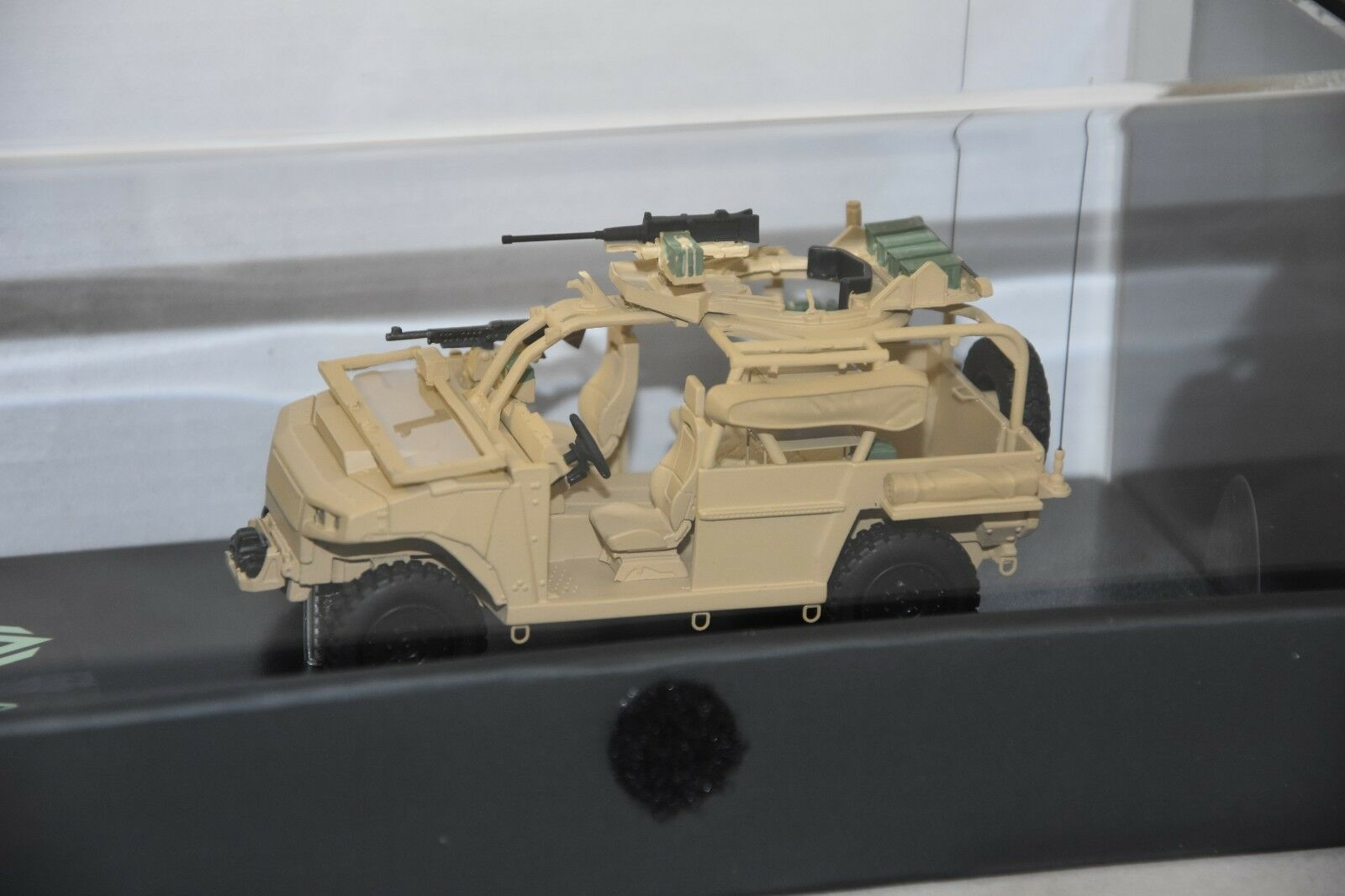 Master fighter 48621s-vlfs vehicle leger forces speciales sand 1 48