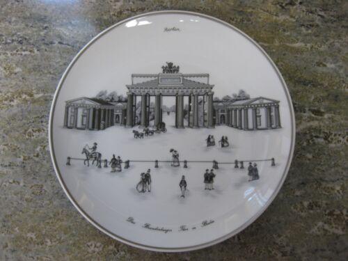 KPM Berlin Wandteller Brandenburger Tor in Berlin Teller Bemalt Souvenir