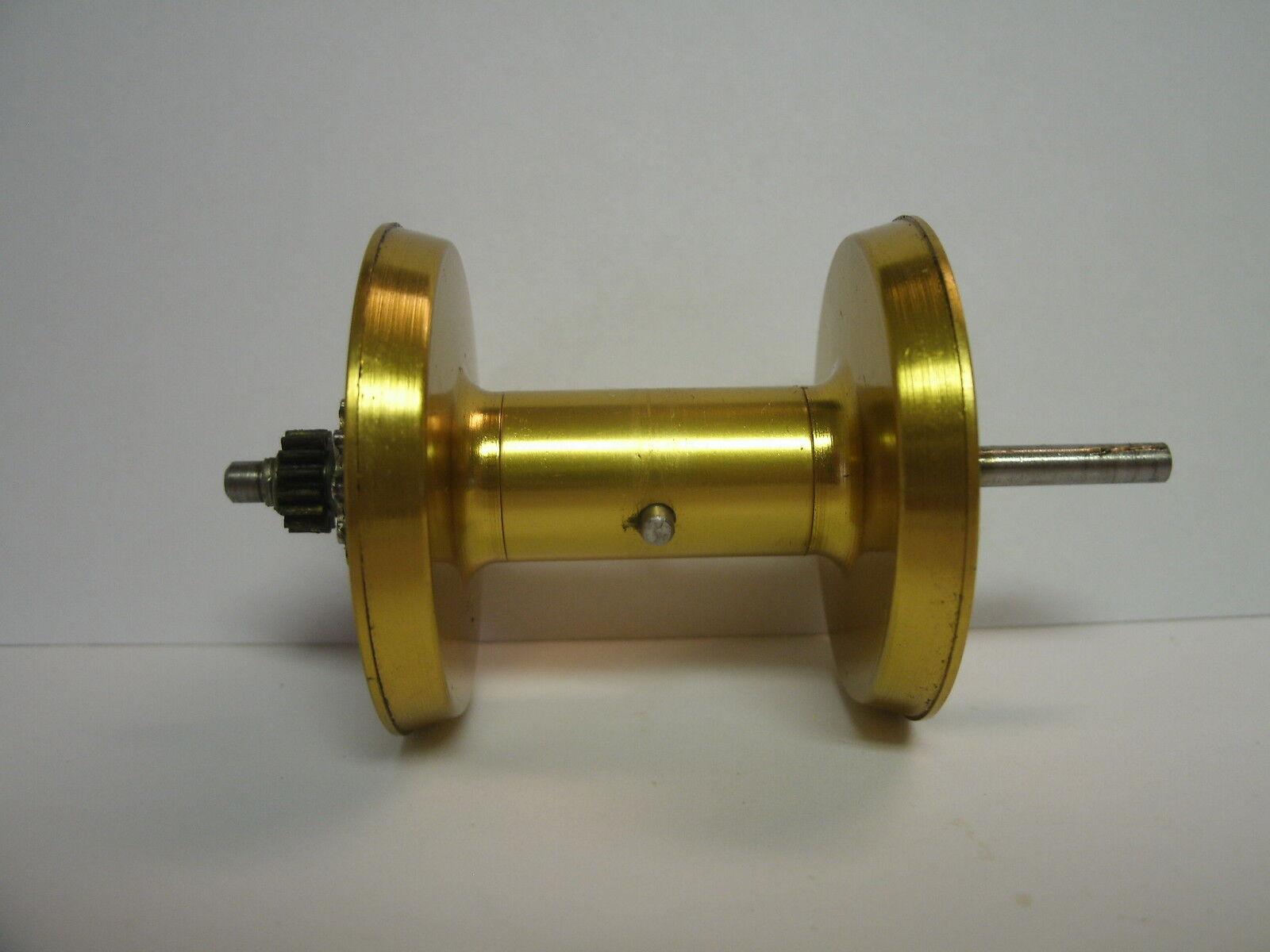 USED PENN BAITCASTING REEL PART - 910 Levelmatic - Spool Assembly