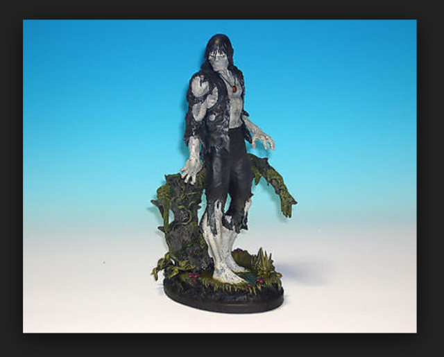 ZOMBIE STATUE BY BOWEN DESIGNS (FACTORY SEALED,MIB)