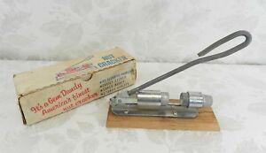 Vintage-Gem-Dandy-Nut-Cracker-with-Original-Box
