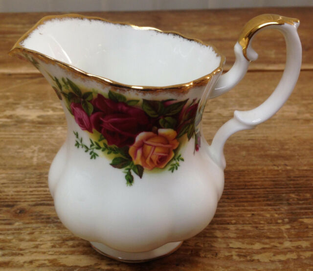 1 Creamer Royal Albert Old Country Roses Red Yellow Fluted England Bone China
