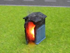 H0-1-87-Baustellen-Toilette-Chemie-Klo-Brennend-12V-LED-Feuer-Feuerwehr-Einsatz