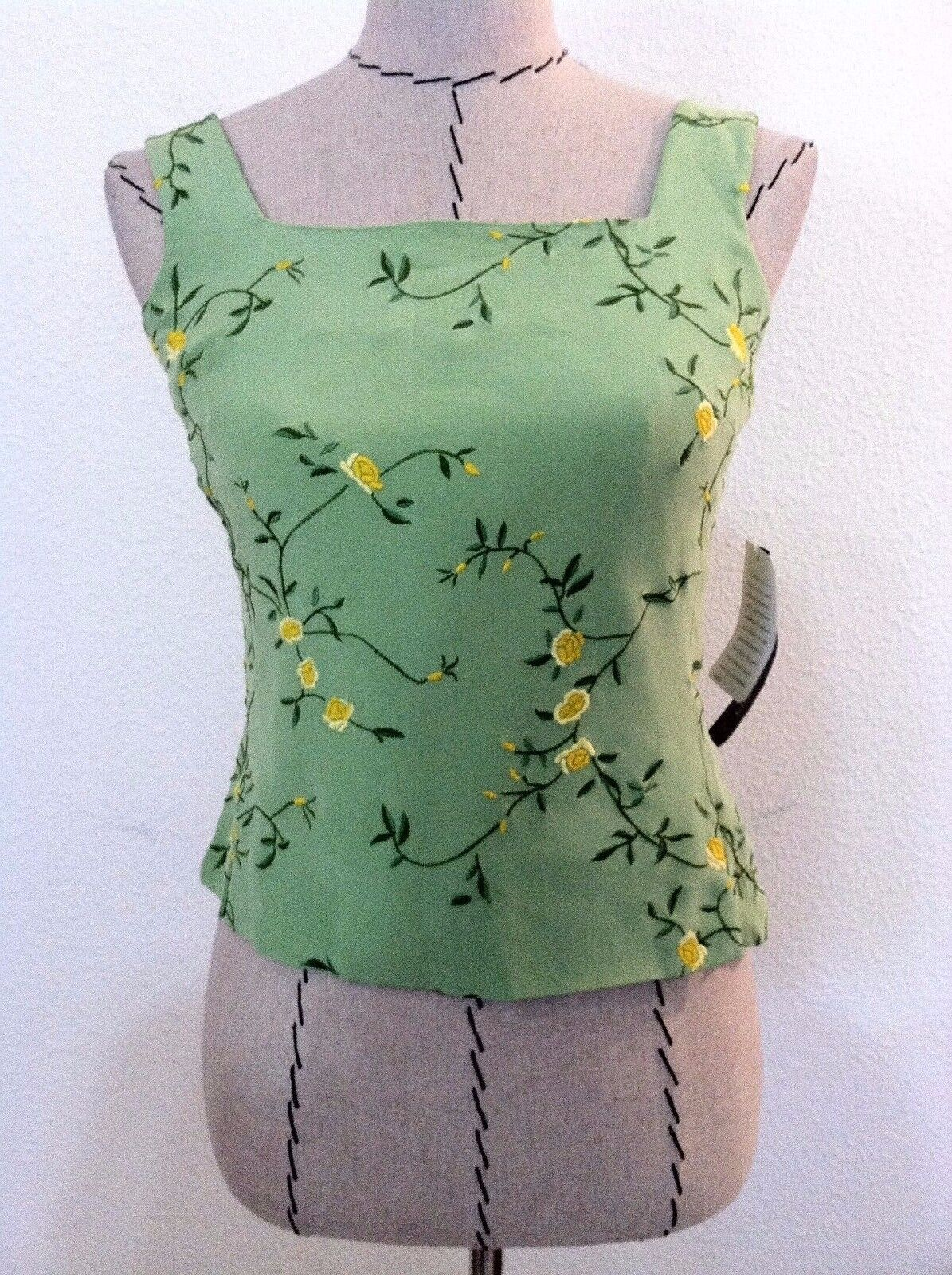 New Rena Rowan woman top 100% silk Grün Gelb floral embroid Größe 4P petite
