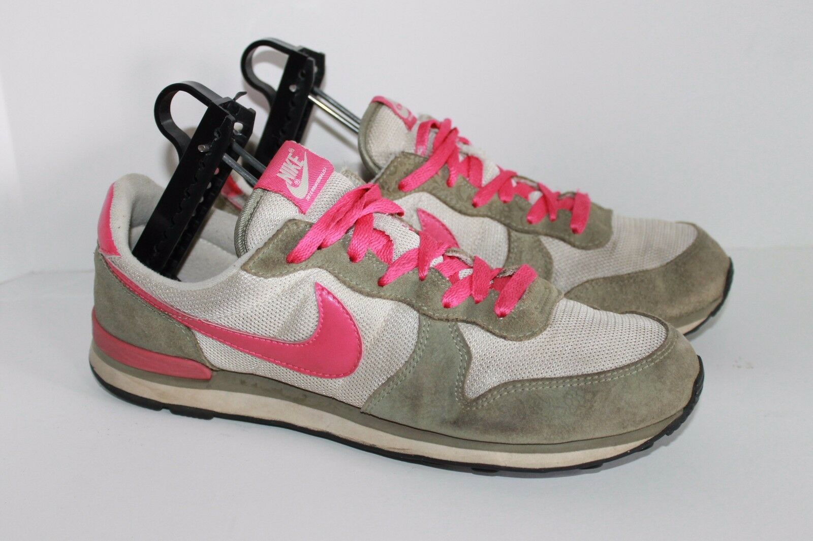 Womens Nike Internationalist  10 Running shoe Vintage Style Pink 2008 The most popular shoes for men and women