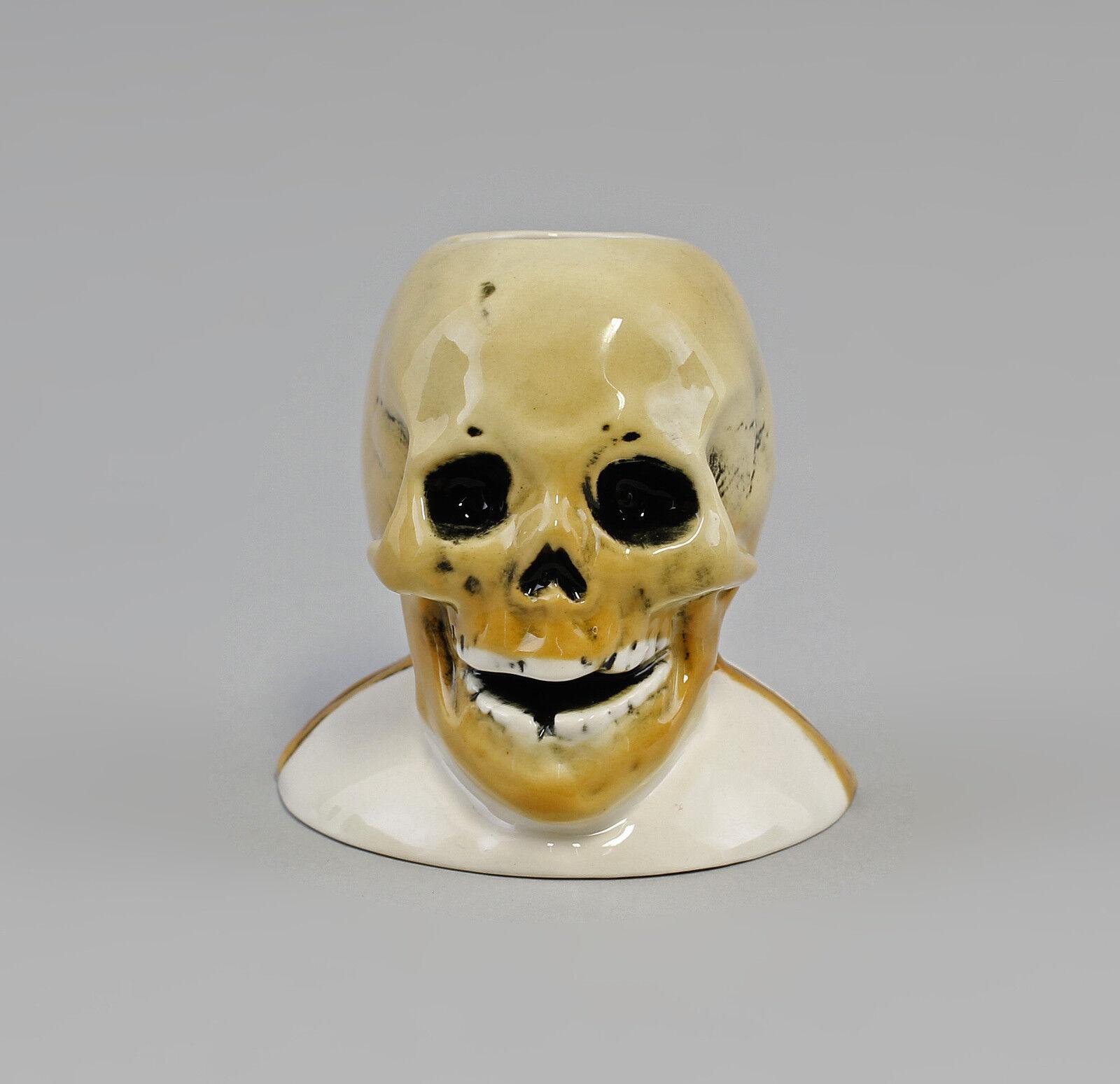 Porzellan Briefbeschwerer Kerzenhalter Totenkopf Ens H8,5cm 9941795