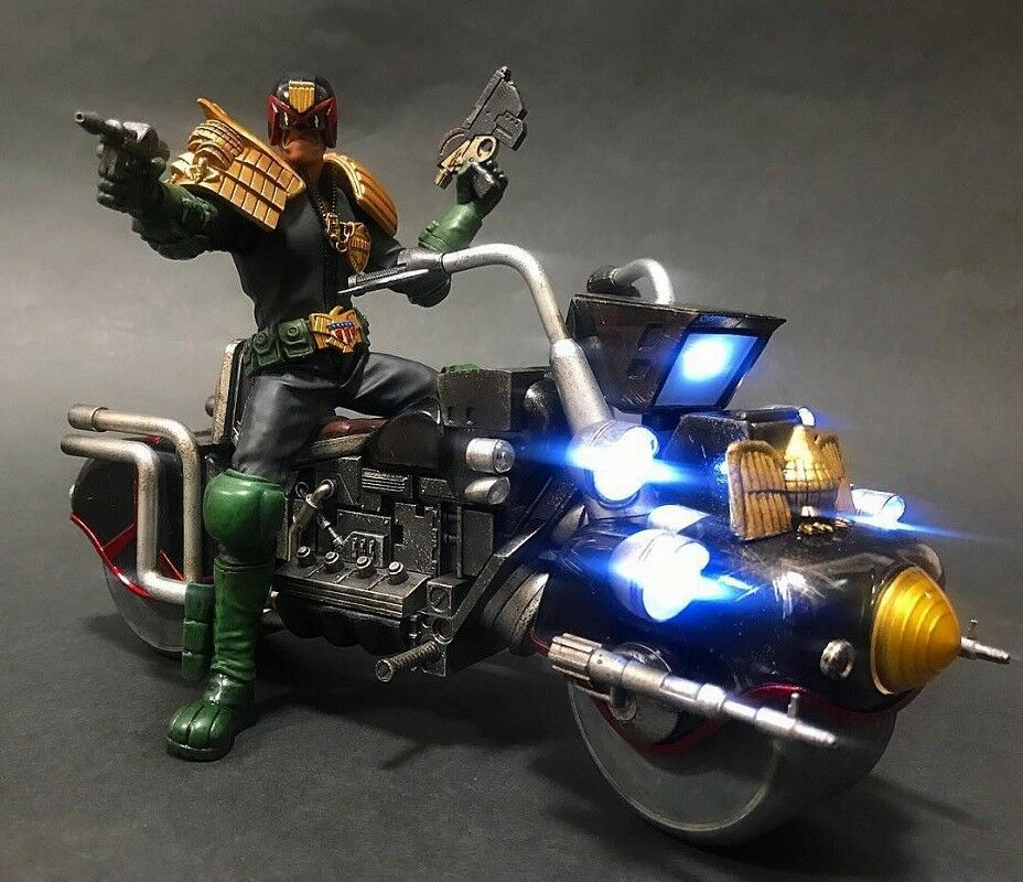 ThreeA 3A  2000AD 1 12  JUDGE DREDD Collectible Action Figure Brand New Unopened