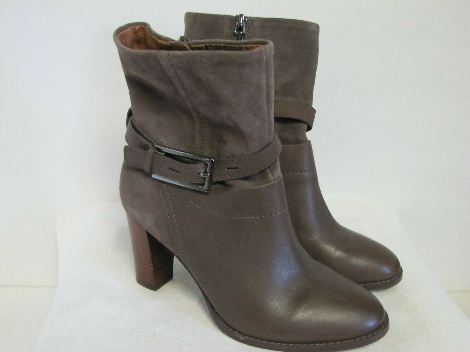 NWT Clarks Kacia Garnet Ladies Leather Taupe Lt. Mocha Mid Calf Zipper Boots 7.5