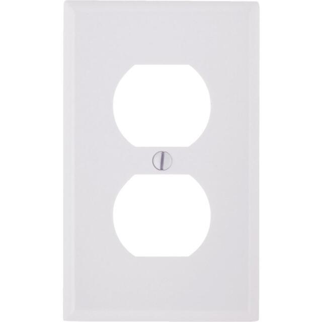 Leviton 88003 White Plastic Outlet Wallplate W Captive Screw Ebay