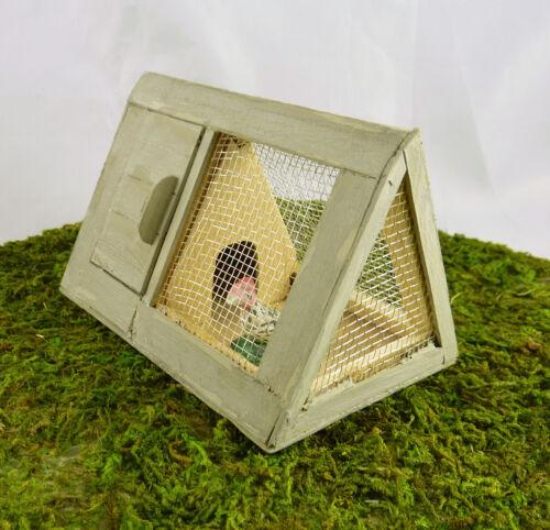 Dollhouse Miniature Fairy Garden Small Triangle Chicken Coop Bunny Hutch