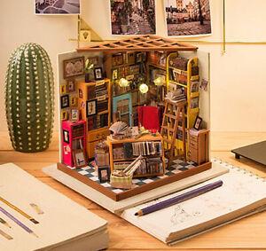 ROBOTIME-DIY-hoelzernes-Puppenhaus-Buchhandlungshaus-mit-Moebel-Miniatur-fuehrte