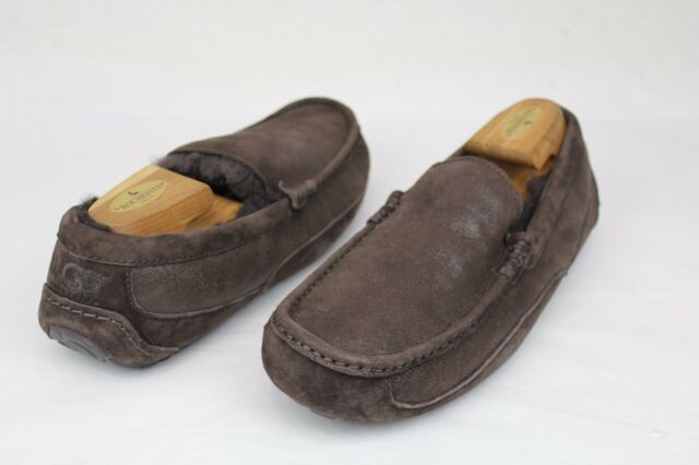 97bff7bfac2 UGG AUSTRALIA MENS ASCOT BOMBER CHOCOLATE SUEDE FULLY LINED SLIPPERS SIZE 7  US