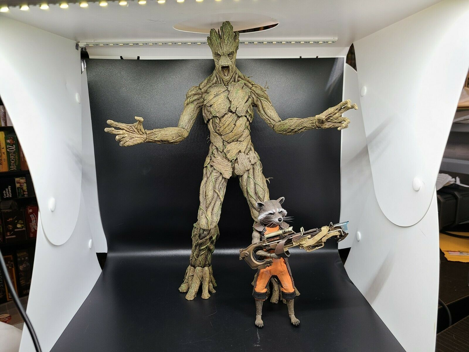 Sideshow Hot Toys Guardians of the Galaxy Rocket & Groot 1/6 Scale Figure  on eBay thumbnail
