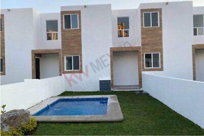 Estrene hermosa Casa en Condominio con alberca privada y espacios propios dentro de Cue...