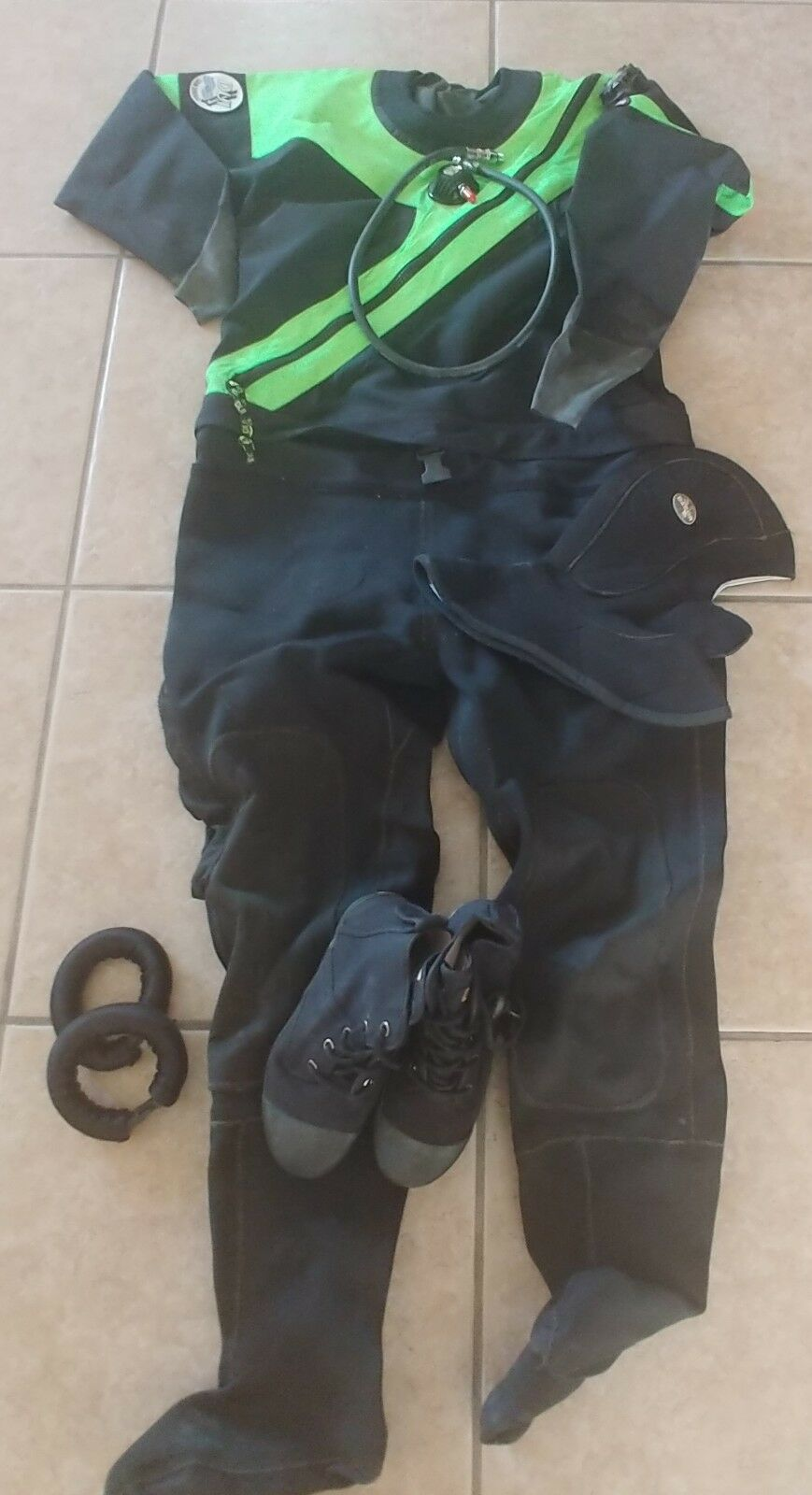 DUI FLX50 50  Dry Suit - Medium with  Boots, Hood, Ankle Weights, Hose & Bag