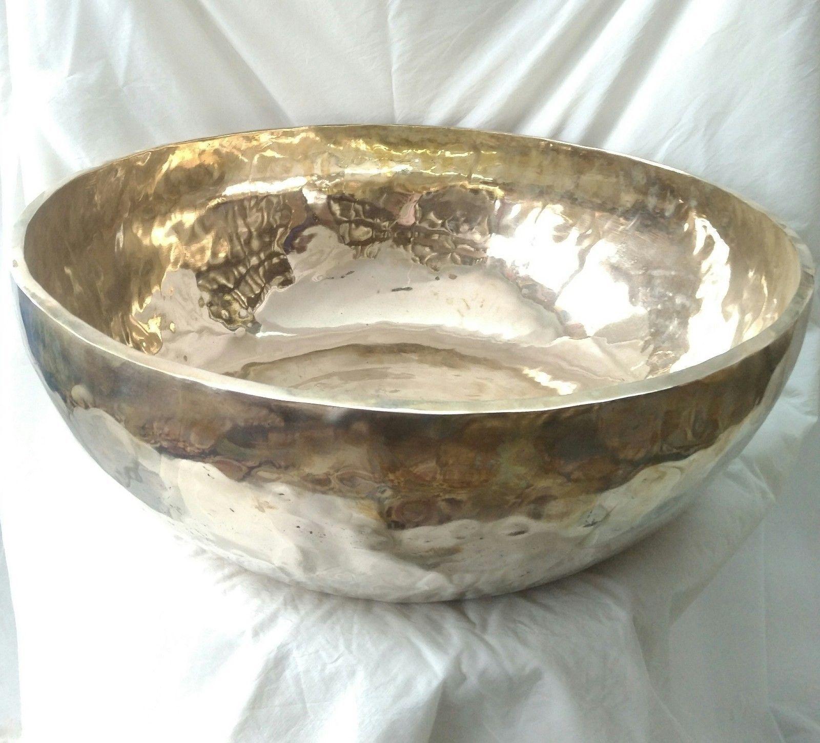Gehämmerte Klangschale(Big Singing bowl hand hammerot)