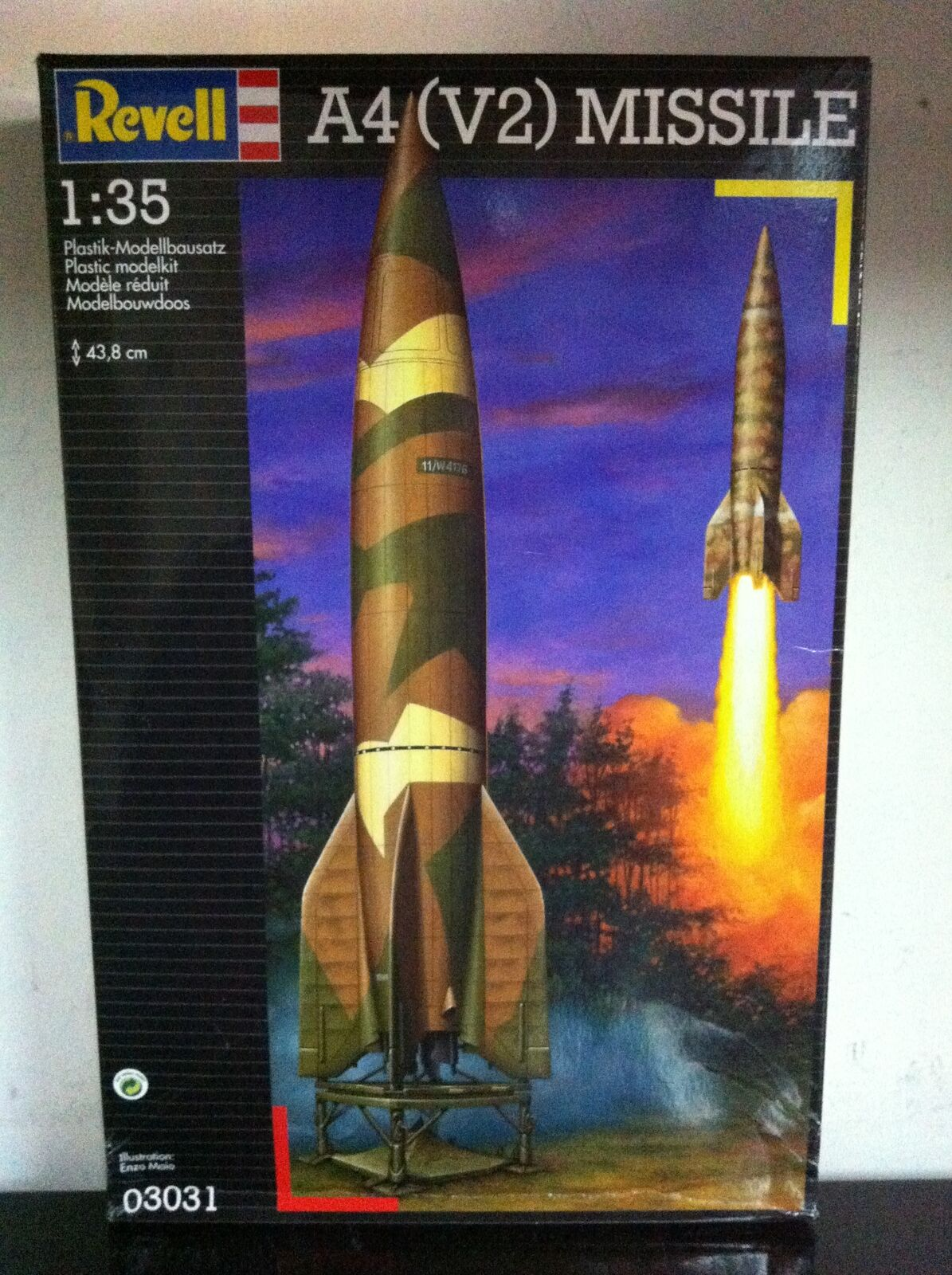 Revell model  fitting kit 1 35 03031 a4 (v2) Missile 3031 MIB, 1998  magasin d'usine de sortie