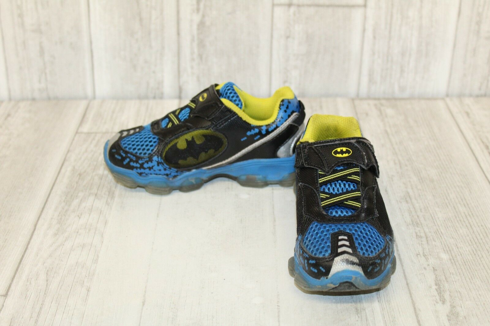 63ee319fa55941 Stride Rite Batman Lighted Sneaker Running Shoe Navy yellow 10.5 M ...