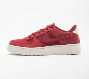 NIKE AIR FORCE 1 SUEDE - RED CRUSH