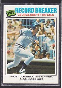 1977-GEORGE-BRETT-Topps-034-Record-Breaker-034-Baseball-Card-231-K-C-Royals