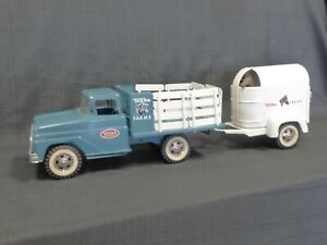 1963-1964-TONKA-Horse-Trailer-amp-Stake-Truck-Pressed-Steel-Toy-w-2-Horses