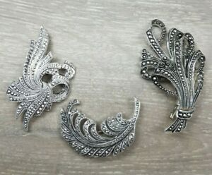 1950s-faux-marcasite-Feather-bouquet-of-flowers-and-swirl-design-brooches-Design