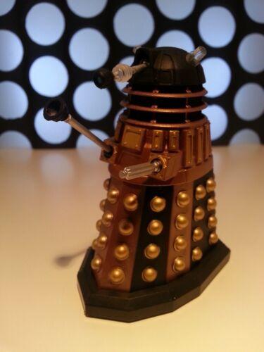 """Doctor Who Dalek NAVE FLOTTA Comandante Pilota Nero e Oro Nuova Serie 3.75/"""" Figura"""