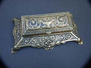 ANTIQUE-BRASS-SNUFF-BOX-RECTANGULAR-ORNATE-ROCOCO-DESIN-1900-039-s